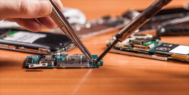 スマホを修理に出す前に知っておこう!正規店やスマホ修理業者を利用する際の注意点